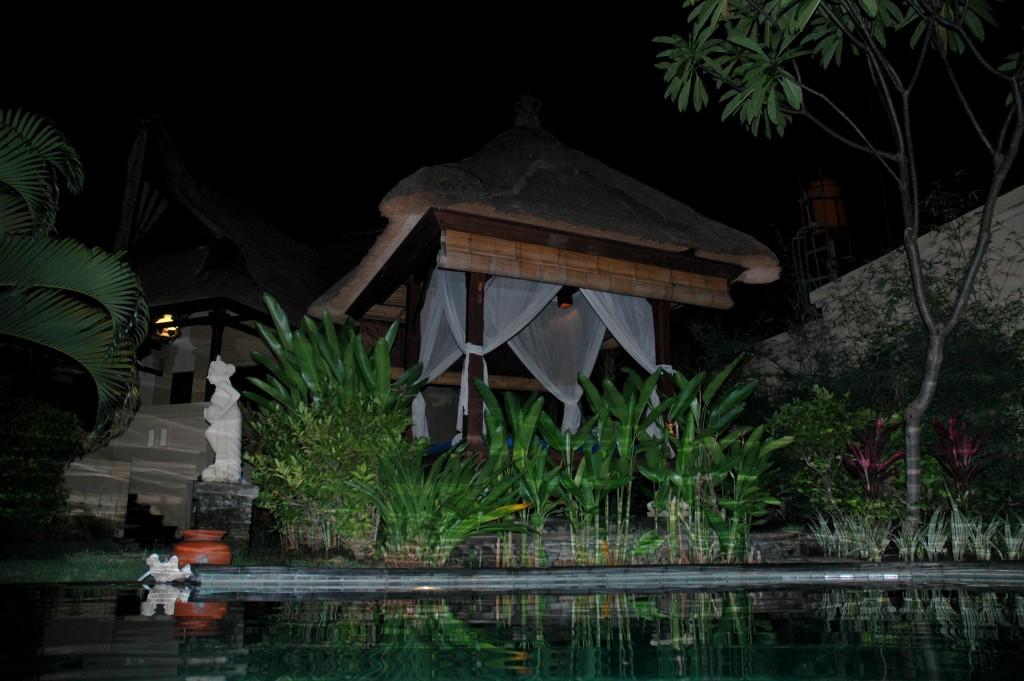 Daybed bij Villa M, nacht