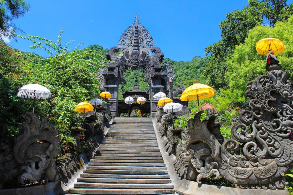 Melanting tempel large