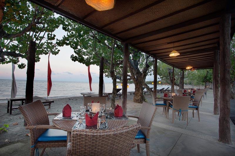 restaurant at the beach